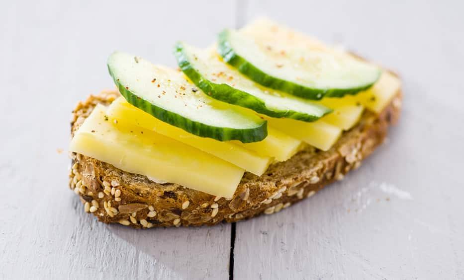 Butter, Tegernseer Bergkas, Senf, Gurke, Pfeffer