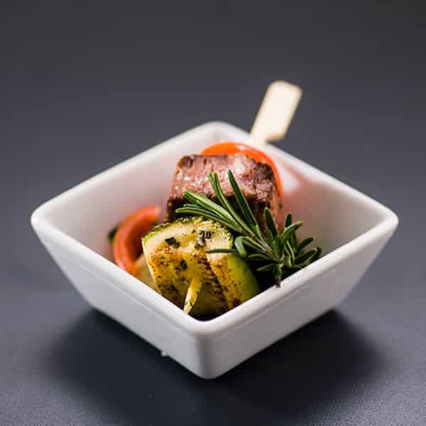 Rind Zucchini Tomate Rosmarin Spieß