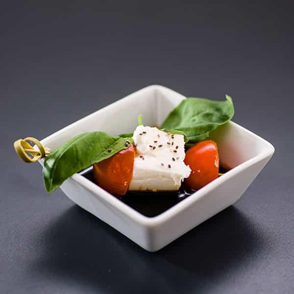 Tomaten-Feta-Spieß mit Balsamicoreduktion